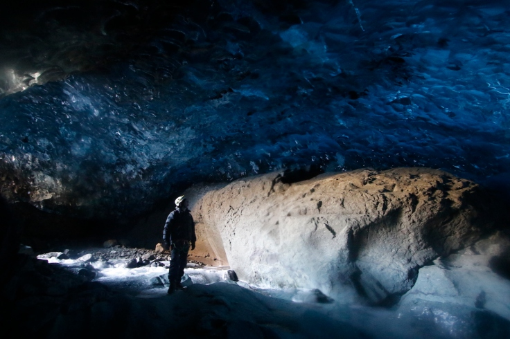 iceland_ice_cave_10