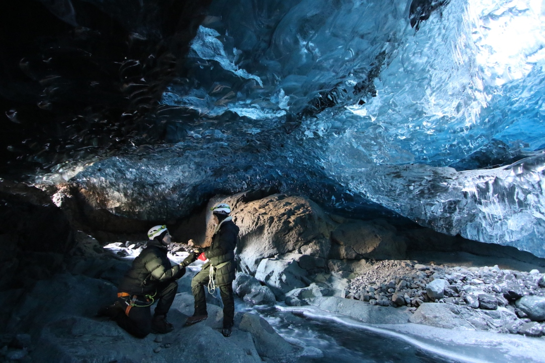 iceland_ice_cave_7