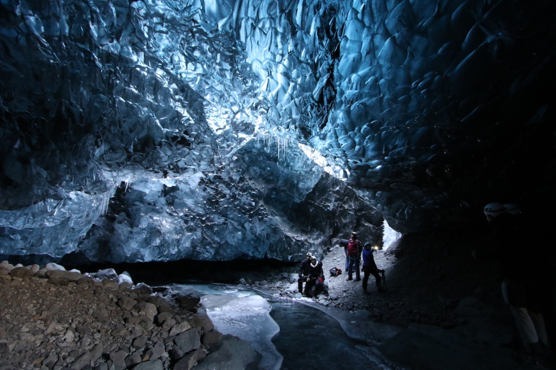 iceland_ice_cave_8