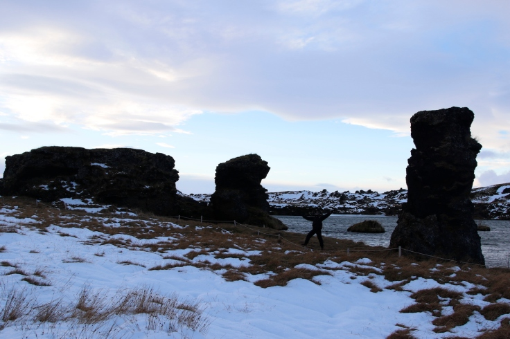 game_of_thrones_iceland_hofdi_pillars_3