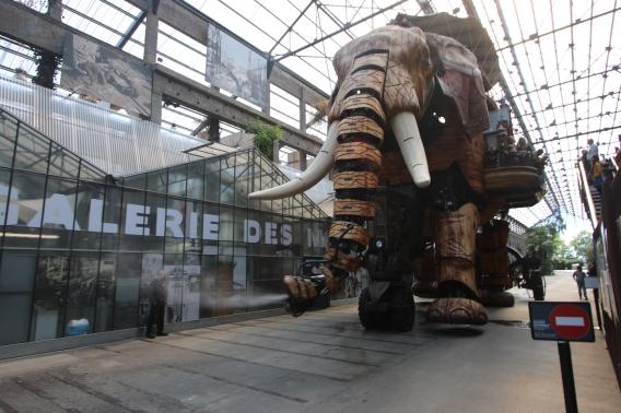 Nantes_Machines_Elephant_Carousel_1