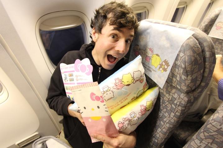 Hello-Kitty-Plane-38