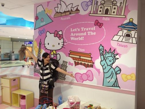 Hello-Kitty-Plane-81